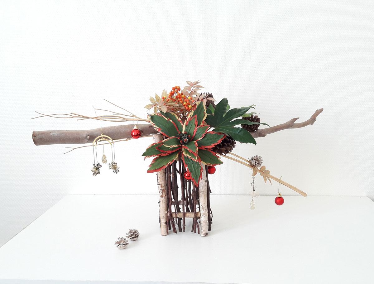 composition florale avec feuilles
